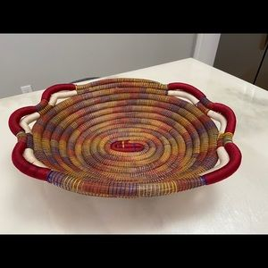 Hand-woven basket tray